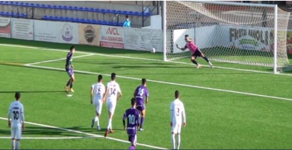 El Vélez CF gana a un Atlético Malagueño que cambia el paso (2-0)