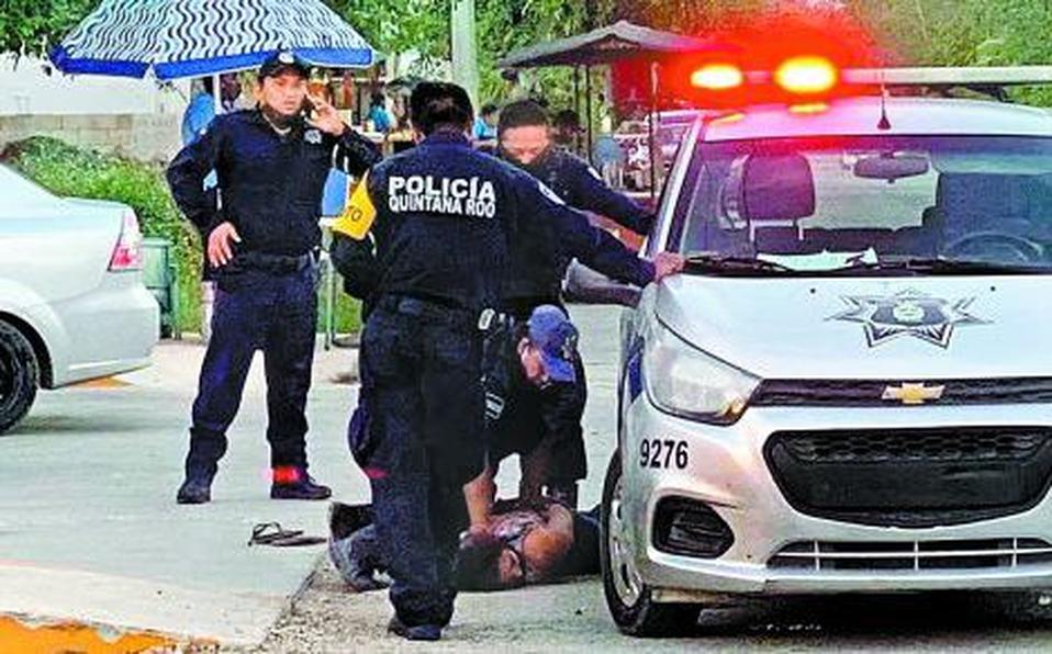 Video: Policías de Tulum; Quintana Roo aplican fuerza bruta a Salvadoreña y la matan, ya fueron detenidos y acusados de feminicidio