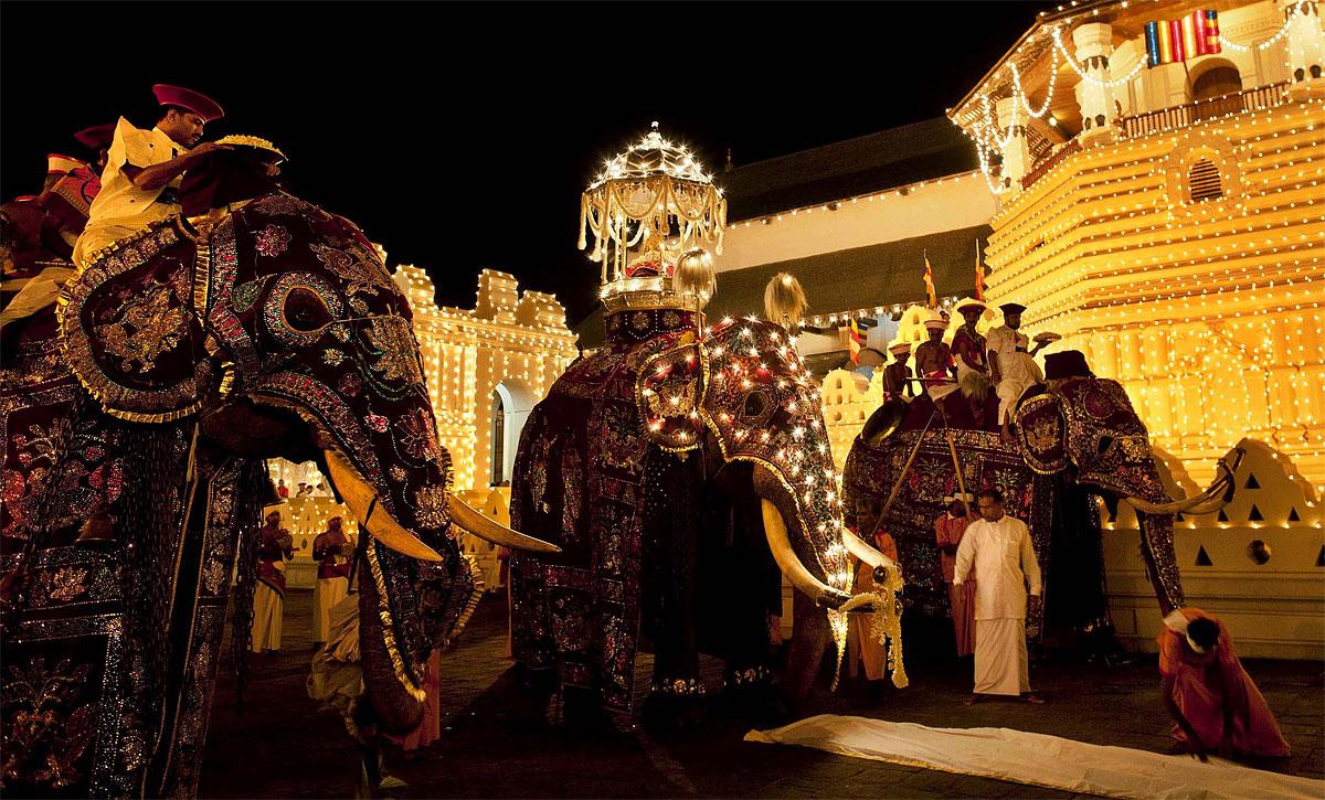 Dubai and Sri Lanka 2012: Kandy - Temple of the Tooth