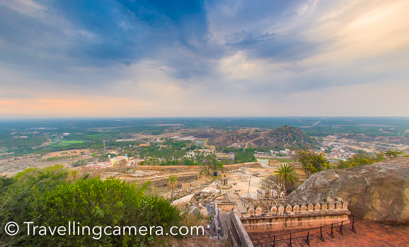 Above is one of the photographs clicked before sunset at Saravanabelagola. Above photograph is not very sharp but with naked eyes the experience is outstanding. And to that point, visiting Saravanabelagola during second half of the day is good. Since it's usually hot, in second half you can spend a little more time on the hill after visiting the temple which can be little difficult around the noon.