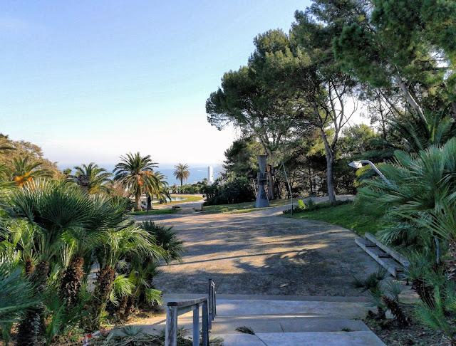 W drodze na wzgórze Montjuïc