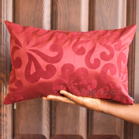 Red Decorative Throw Pillow, Pillow Cover in Port Harcourt, Nigeria