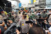 Kabaharkam Polri Tinjau 7 Dapur Umum Polri-TNI yang Disediakan untuk Masyarakat Terdampak Covid-19
