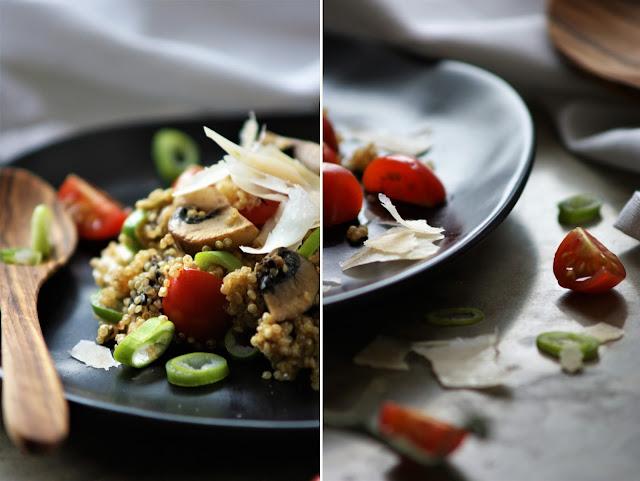 Quinotto mit Champignons, frischen Tomaten und Parmesan