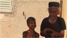 Misteri Kakek Berpeci di Foto Zlatan Ibrahimovic