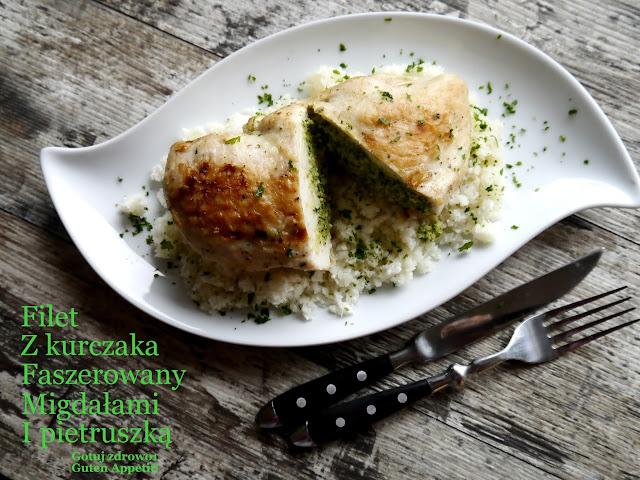 Filet z kurczaka faszerowany pesto migdałowo - pietruszkowym - Czytaj więcej »