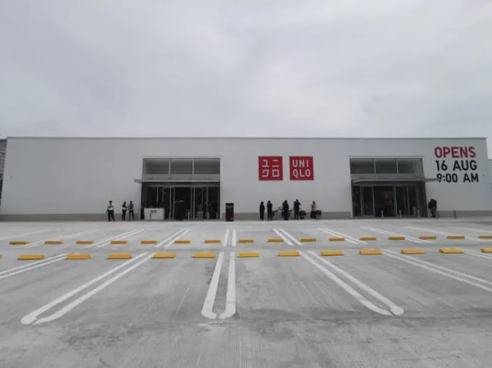 UNIQLO Launches the First Roadside Store in the Philippines