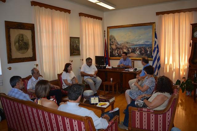 Συνάντηση Δημάρχου Δ. Κωστούρου  με τους νέους διευθυντές των σχολείων του Δήμου Ναυπλιέων