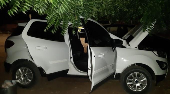Mulher é presa com veículo roubado e documento falso em Mossoró