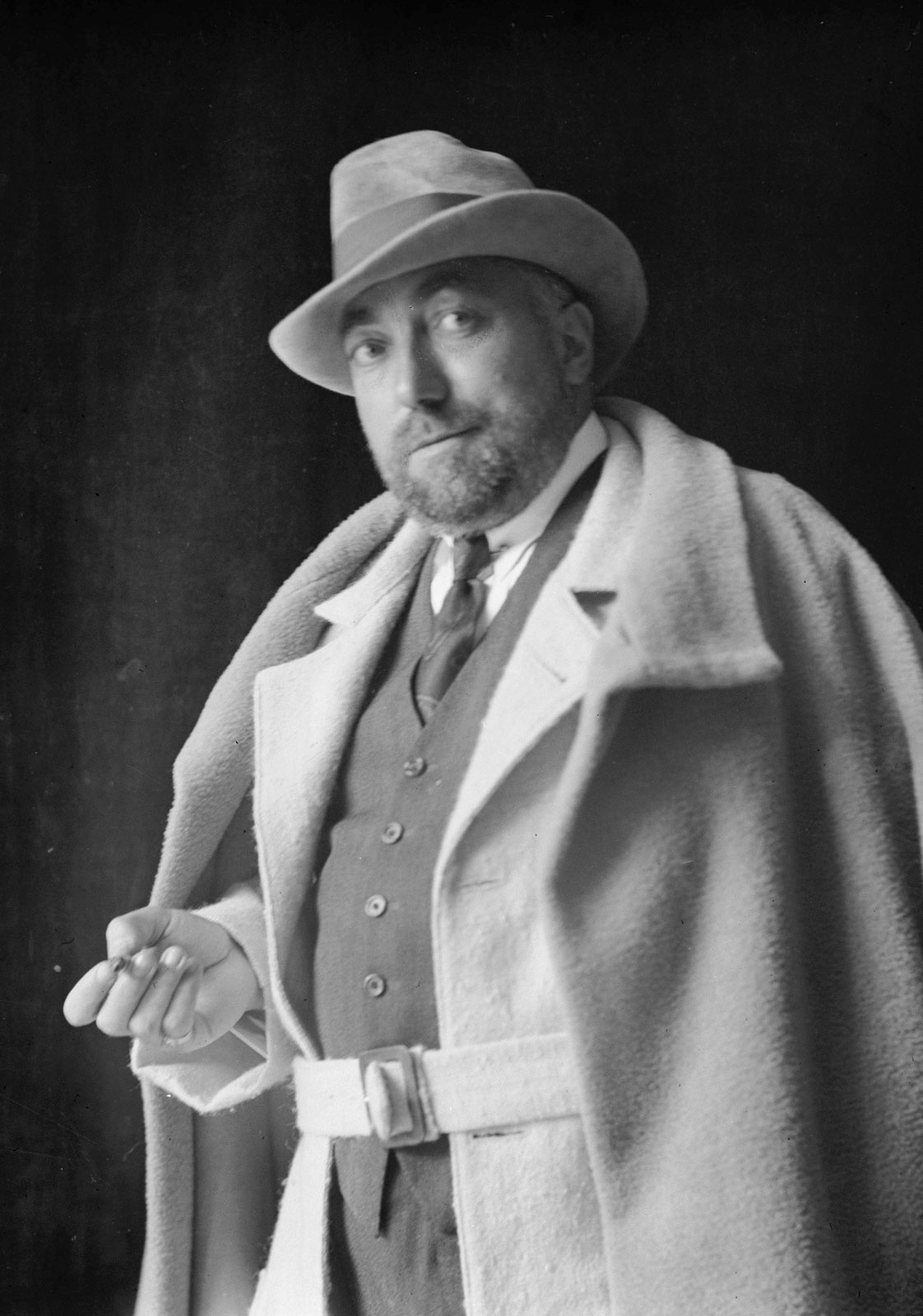 7a582672e534d8 Sun's on the cusp of Aries/Taurus, and here's an arty character who was  born with Sun at 00 Taurus, on 20 April 1879: Paul Poiret, one of the early  1900s' ...