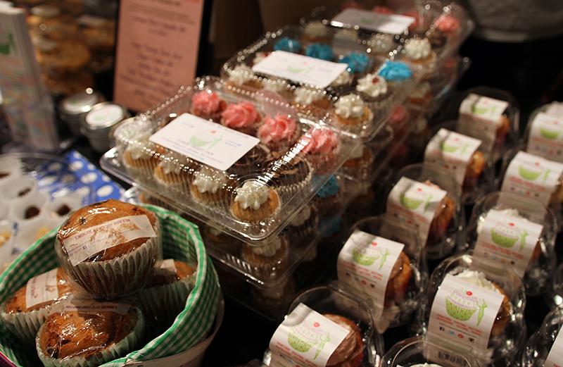 Veganreise New York NY Vegetarian Food Festival Vegan Cakes