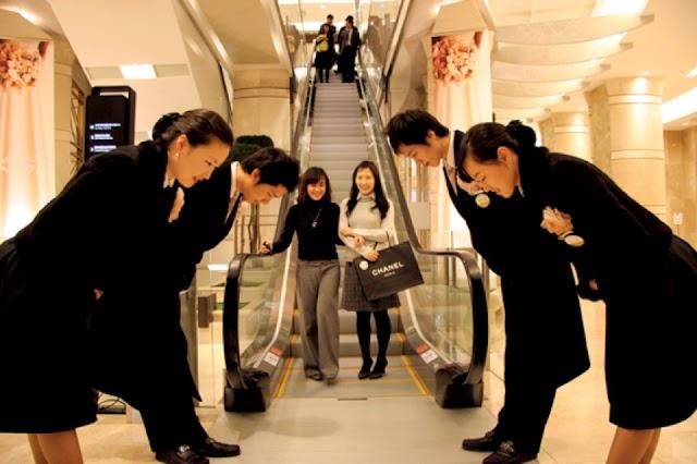 Triết lý kinh doanh Omotenashi và trải nghiệm khách hàng