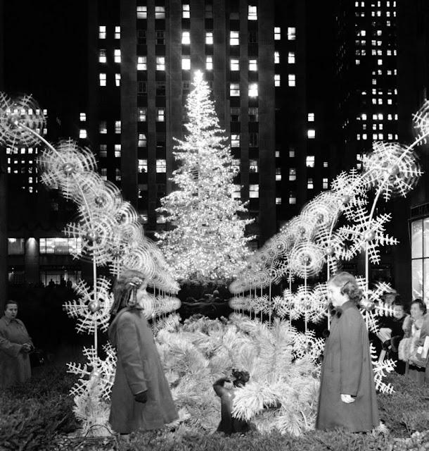The 1949 Rockefeller Center Tree Was The Craziest
