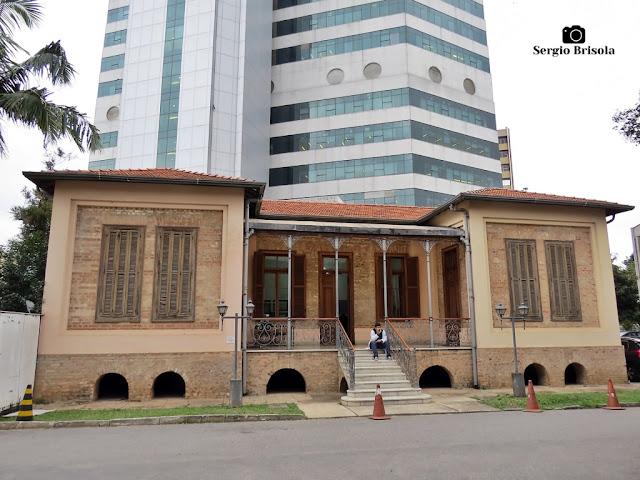 Vista ampla da Casa Rosada - Instituto Emílio Ribas - São Paulo