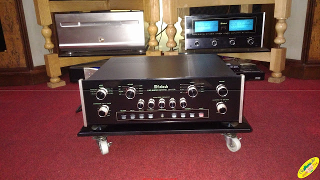 Pre-amplifier : C40 McIntosh - Made in USA