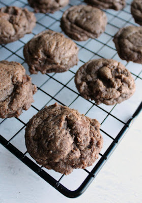mocha chocolate chunk cookies on cooling rack
