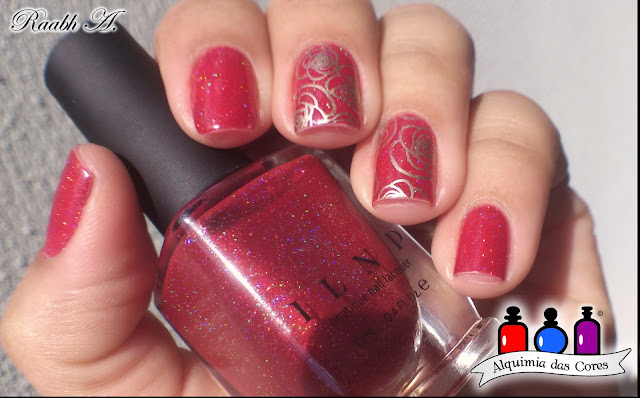 Unhas, vermelho, esmalte holográfico, holo, ILNP Winter 2016, ILNP Stopping Traffic, BP-L024, Essie Good as Gold,