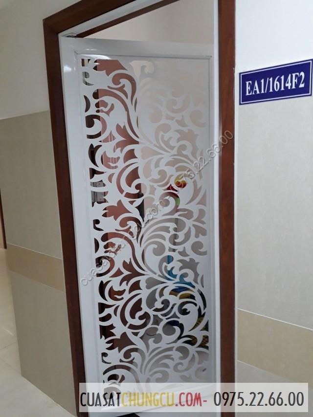 Mẫu cửa sắt chung cư cắt CNC hoa rối rất đẹp và có độ sắc nét cao, thẩm mỹ