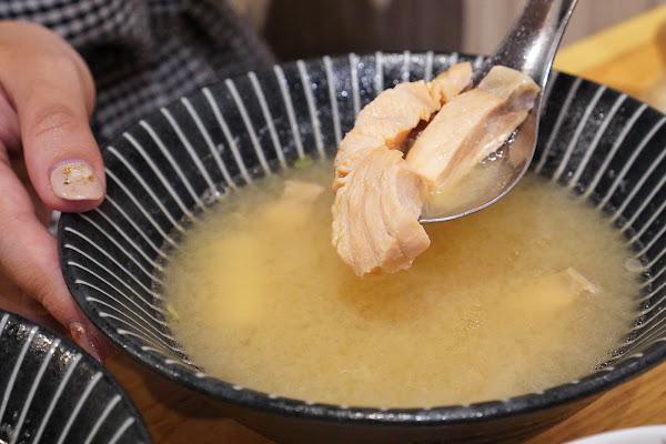 台南南區美食【伊豆讚壽司專賣】餐點介紹-鮮魚味噌湯