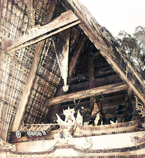 upacara kegiatan sigale gale dari rumah raja