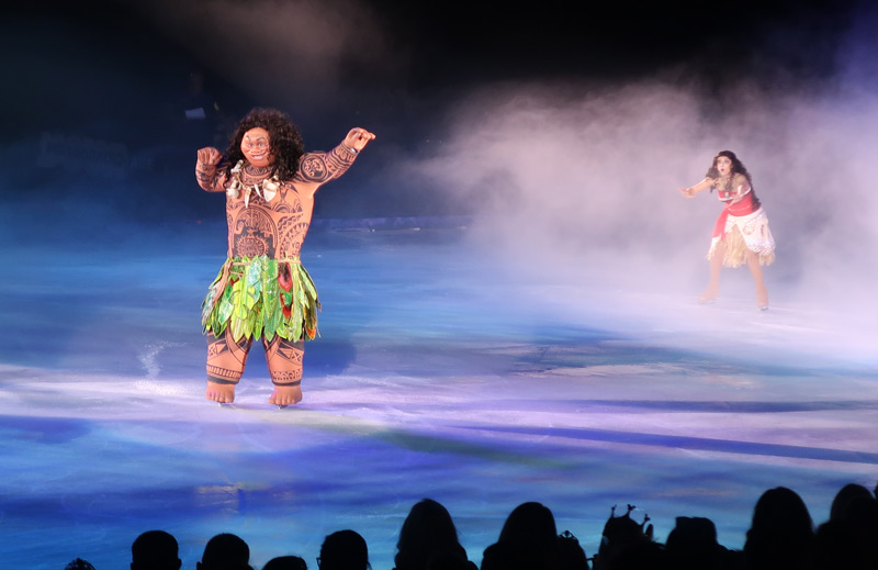 Disney on Ice Presents Dream Big - A Review - moana and maui