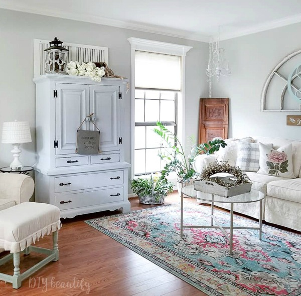 cottage style room with pastels