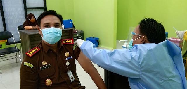 Begini Kata Kajari Sinjai Usai Disuntik Vaksin Tahap Kedua