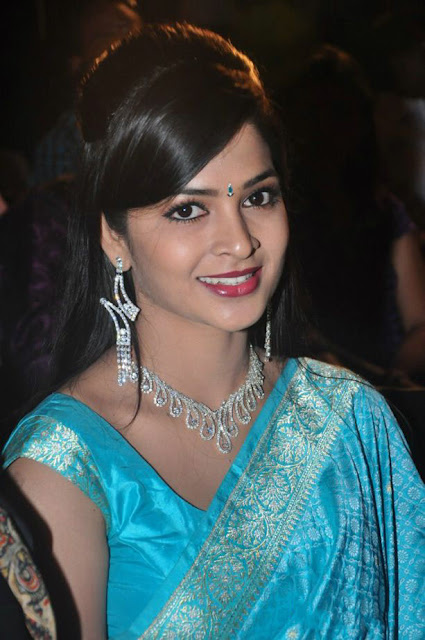 Telugu Actress Madhumitha Latest Cute Stills In Saree Actress Trend