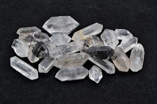 Herkimer-diamond-la-gi-h1.png
