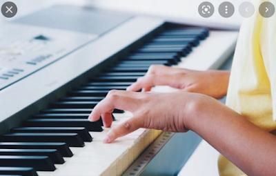 4 tips untuk memainkan lagu di piano