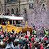 Arrestan fan por tirar cerveza en desfile de Medias Rojas en Boston