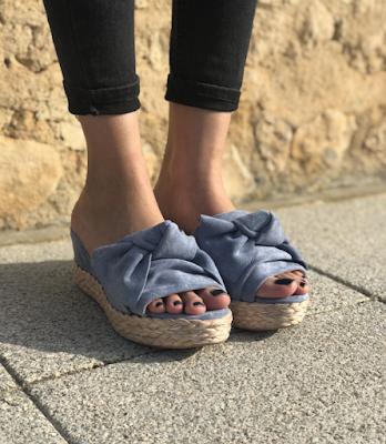 Sandalias color celeste