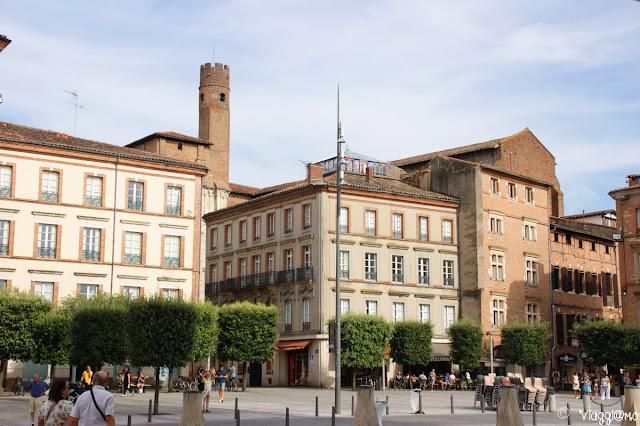 Un lato della piazza di Santa Cecilia