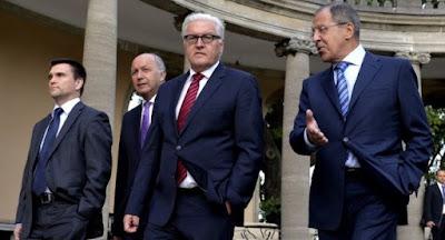 """Путин настаивает на урегулировании конфликта на Донбассе по""""формуле Штайнмайера"""""""