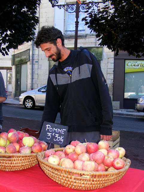 Organic apples at a market, Indre et Loire, France. Photo by Loire Valley Time Travel.