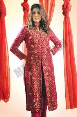 5f1f3ddc76d5a ... same outfit i.e Long Kurti with trouser