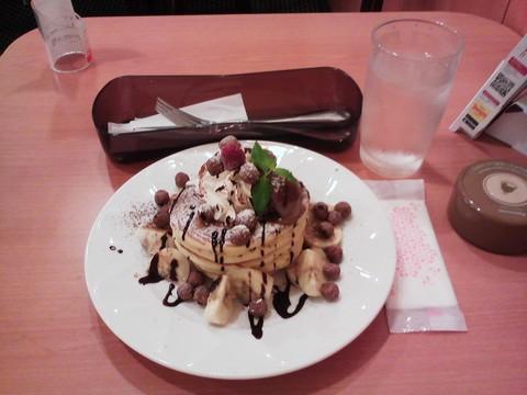 バースデーパンケーキ¥0-3 デニーズ今池店