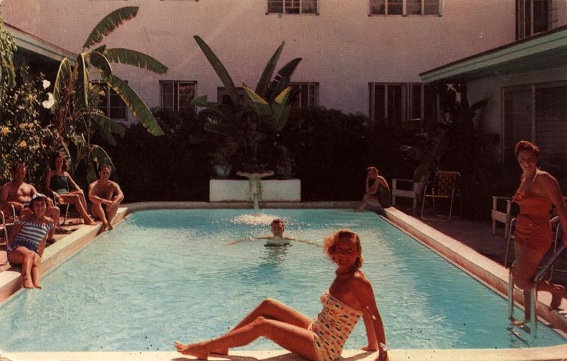 30 Cool Pics That Show American Hotel Swimming Pools From