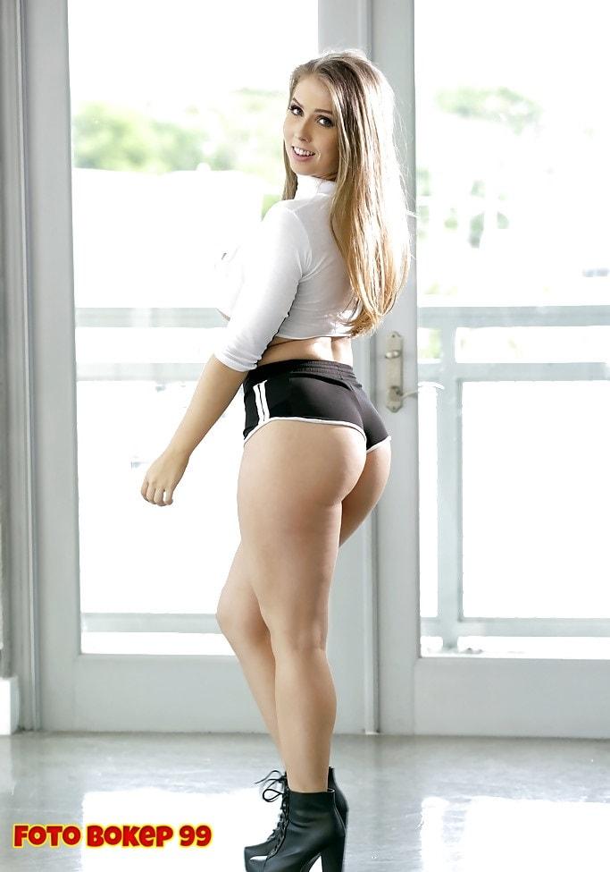 Girls In Socks Porn Videos