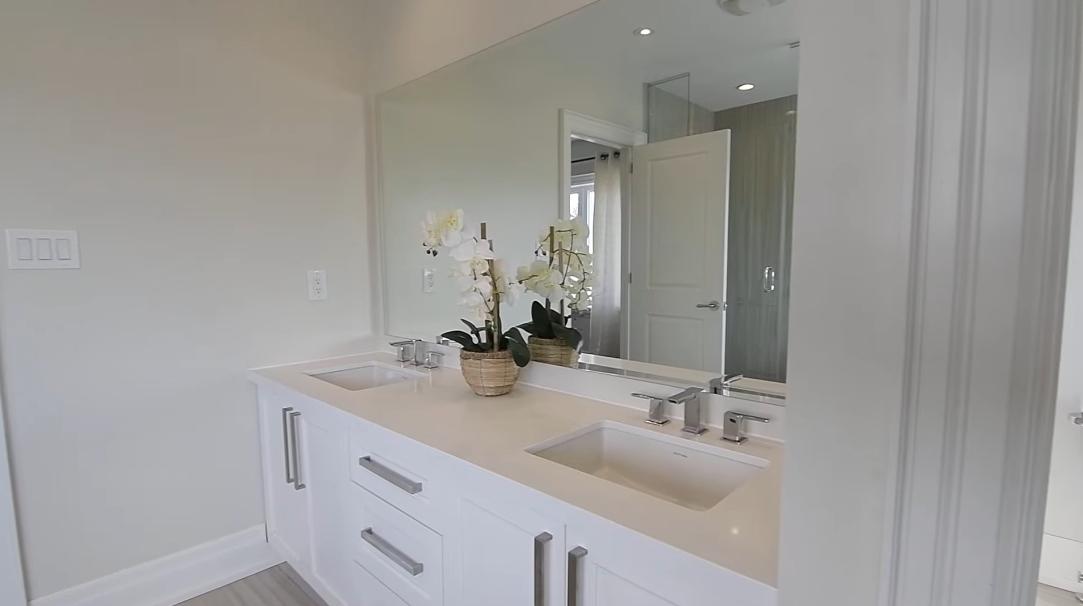 29 Interior Design Photos vs. 744 Stonepath Cir, Pickering Luxury Home Tour