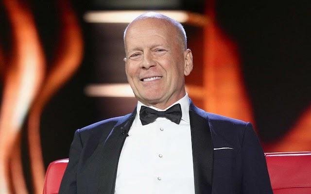 Imádjuk Bruce Willis családi fotóját: gyönyörű feleségével és kisebbik lányaival állt kamera elé