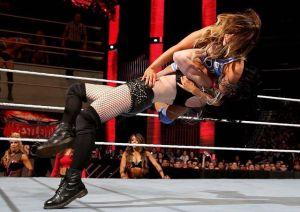 Foto Paige WWE pegulat wanita seksi