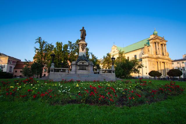 Monumento ad Adam Mickiewicz-Varsavia