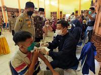 Kapolres Sampang Tinjau Vaksinasi 1500 Pelajar SMA Dan SMK Di Kabupaten Sampang*