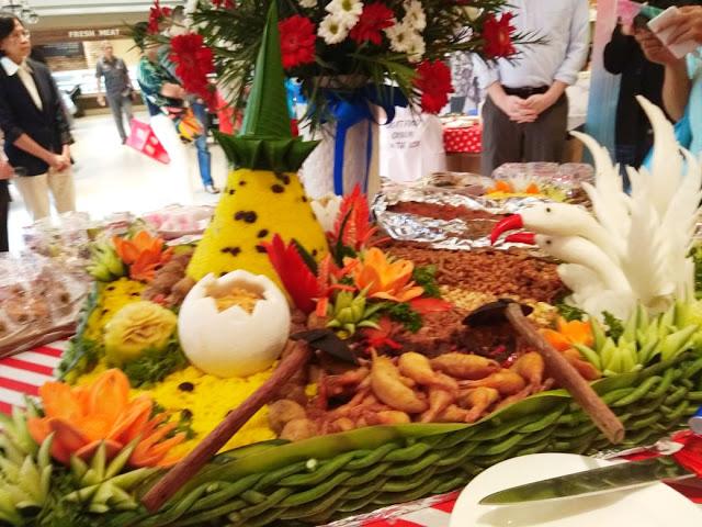Makna Nasi Tumpeng di Perayaan 70 Tahun Hubungan Diplomatik Indonesia – Amerika Serikat