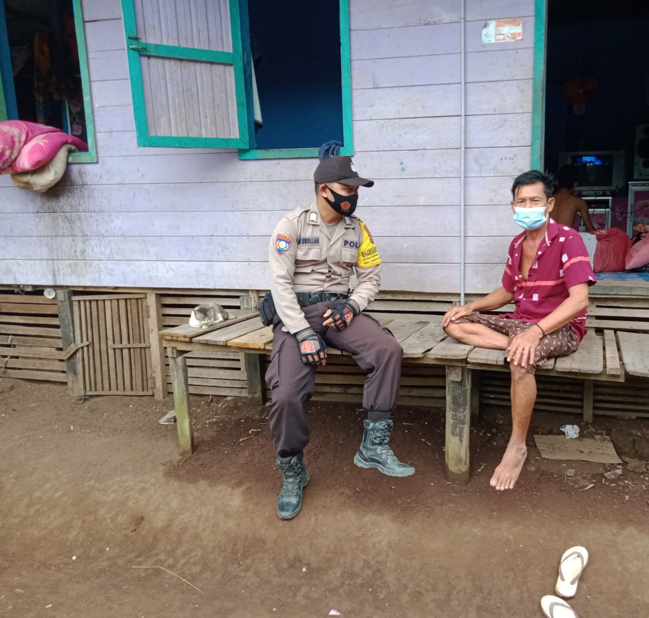 Sambangi Desa Binaan, Bripka Sykurullah Himbau Warga Patuhi Protokol Kesehatan