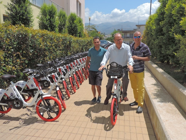 Κοινόχρηστα ηλεκτρικά ποδήλατα στην Καλαμάτα έβαλε ο Παναγιώτης Νίκας