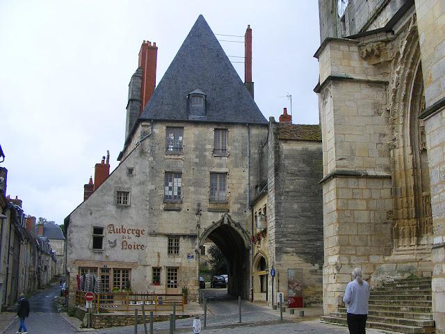 Auberge de la Poule Noire, La Charité sur Loire, Nievre, France. Photo by Loire Valley Time Travel.