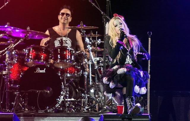 Avril Lavigne terminó de grabar su nuevo disco pop punk