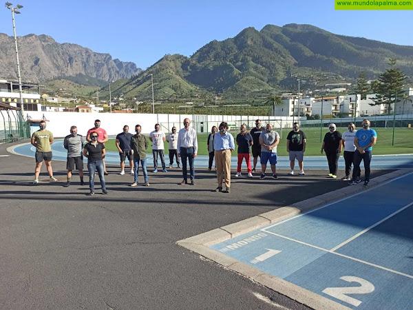 El Cabildo de La Palma y la Federación Insular de Lucha Canaria promueven la práctica de este deporte en los centros educativos
